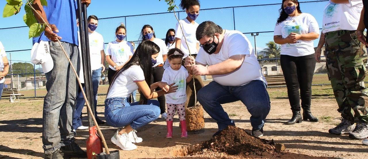 Prefeitura de Itaguaí faz ação de plantio de árvores para comemorar o Dia do Meio Ambiente